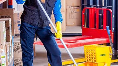 Reinigung Produktionsstätte und Maschinenpark