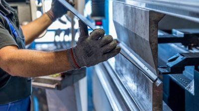 Auslagerung Produktion und Maschinenpark